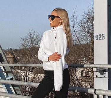 sweatshirt jeans italienische mode mobil 2